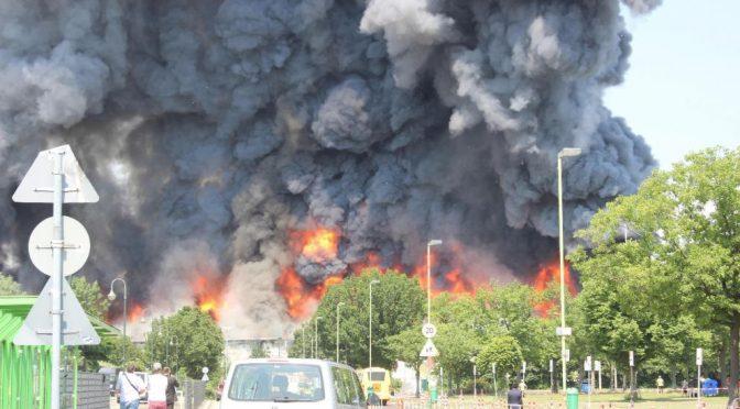 Profughi in rivolta incendiano centro accoglienza