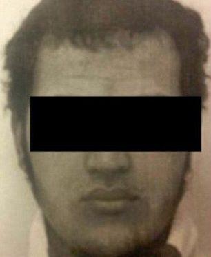 """MERKEL PROIBISCE DIFFUSIONE FOTO TERRORISTA: """"PRIVACY"""""""