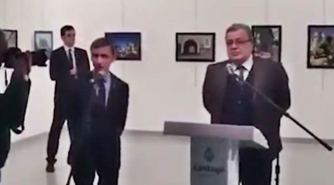 *ASSASSINO AMBASCIATORE ERA GUARDIA DEL CORPO ERDOGAN*