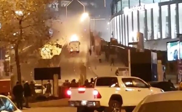 """AUTOBOMBA ISTANBUL: """"DECINE I MORTI"""" – VIDEO – FOTO"""