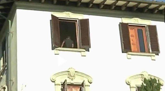 """PROFUGO: """"GOVERNO ITALIANO CI DA' TUTTO, GUARDA CHE VILLA"""" – VIDEO"""