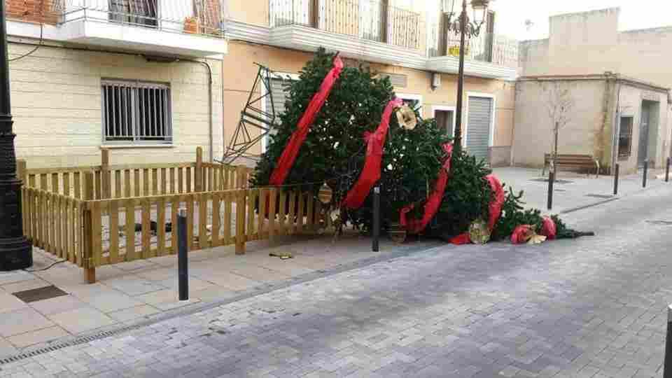 presepe-atacado-municipio-valencia1