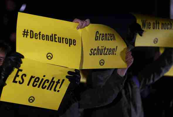 protesta-berlino-berlin-merkel-protest-764682