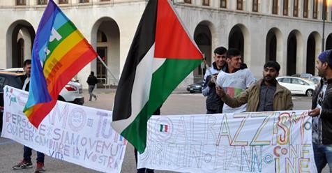"Profughi a ""marcetta della pace"": ""Allahu Akbar"""