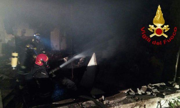 Italiana muore carbonizzata per strada a pochi minuti da hotel profughi