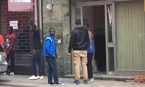 La coop usa i profughi per ristrutturare hotel – VIDEO