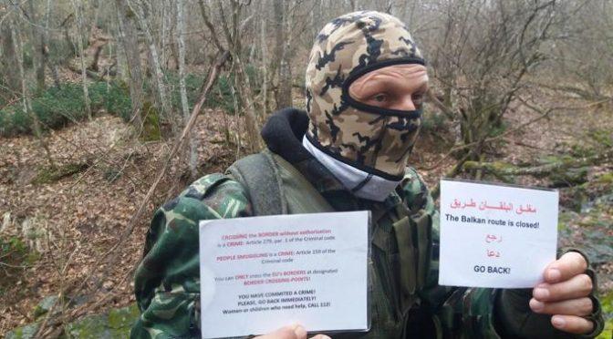 """""""Qui fermiamo l'invasione dell'Islam"""", patrioti a caccia di clandestini"""