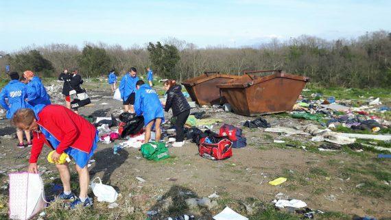 Prigionieri del campo nomadi, Roma fuori controllo – VIDEO