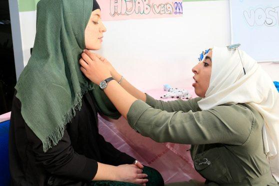 Modena islamica: la festa della donna velata patrocinata dal comune – VIDEO