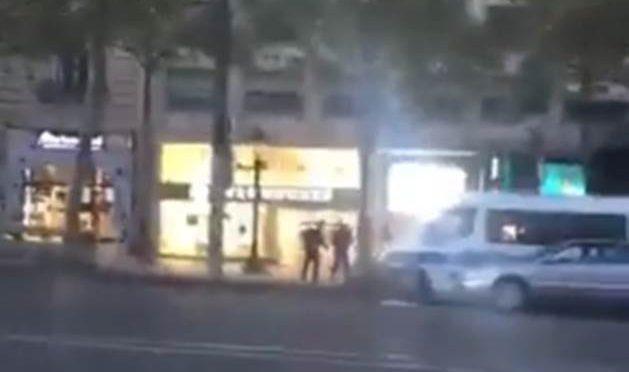 PARIGI, E' ATTACCO ISLAMICO: IL MOMENTO DEGLI SPARI – VIDEO