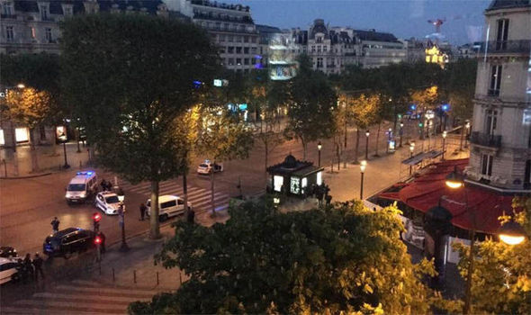 SPARI AGLI CHAMPS ELYSEES: MORTI E FERITI TRA AGENTI – DIRETTA VIDEO