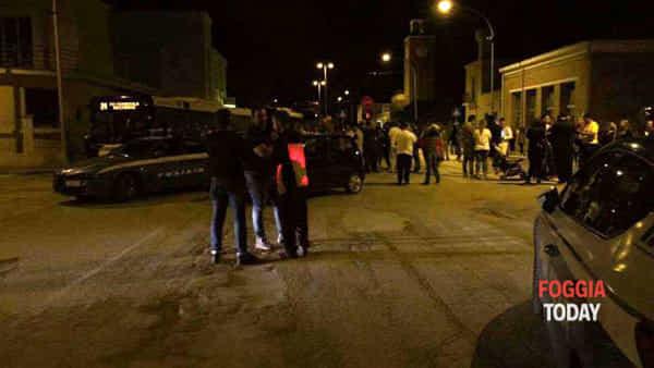 PROFUGO TENTA DI STUPRARE 70 ENNE, PICCHIATA: FOLLA IN STRADA, BARRICATE