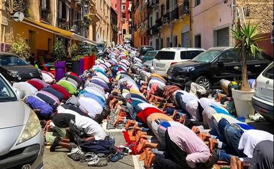 Cagliari, oggi patrioti in corteo contro clandestini