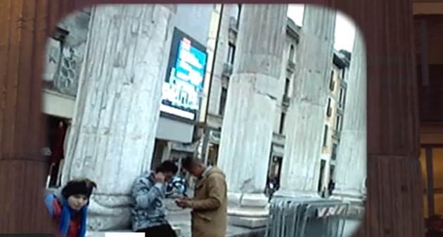Milano perduta, immigrati spacciano eroina low-cost ai ragazzini – VIDEO