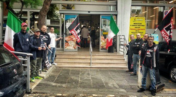 Rimini, FN sgombera abusivi dal mercato