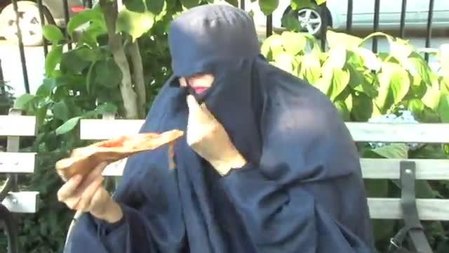 Lara Bombonati, la convertita: una terrorista ridicola