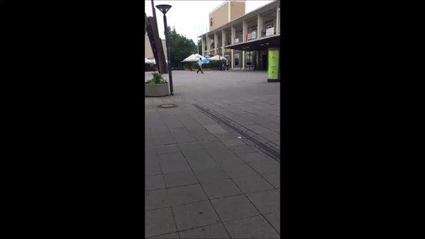 """Germania: profugo terrorizza passanti al grido """"Allahu Akbar"""" – VIDEO"""