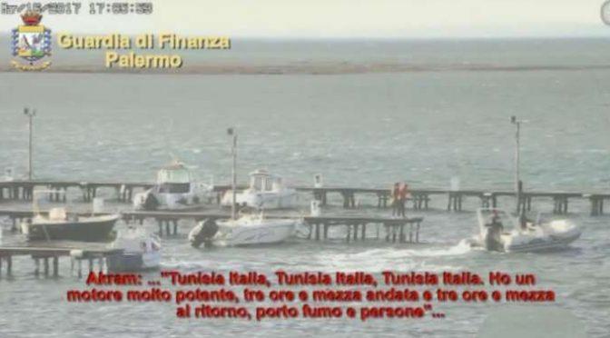 TRAGHETTAVANO TERRORISTI IN ITALIA SUI BARCONI, SBARCO IN DIRETTA – VIDEO