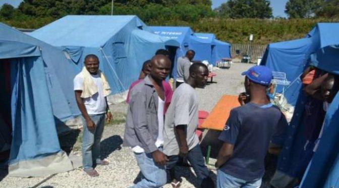 Paura epidemia in tendopoli profughi, Prefetto impedisce sopralluogo prima ballottaggio