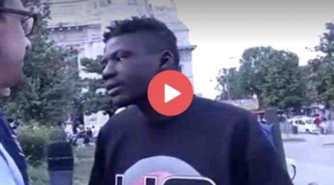 """Profugo spacciatore protesta: """"Non mangiare bene, Italia sporca, voglio spacciare"""" – VIDEO"""