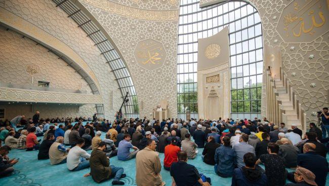 Colonia, apre la più grande moschea d'Europa