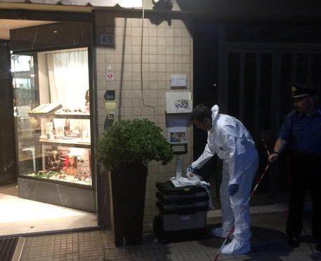 Rapina Pisa, immigrato ha sparato per primo: una città fuori controllo