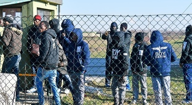 Treviso: Profughi cacciano mamme e bambini dal parco