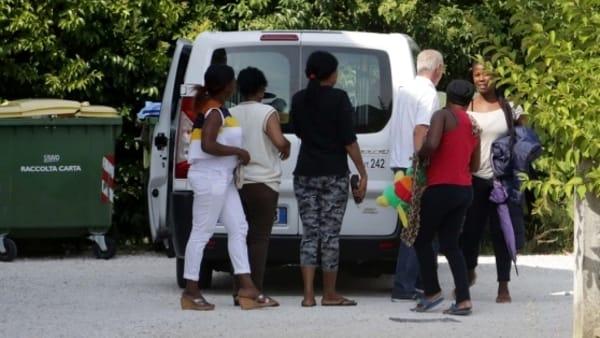 Treviso, disabili sloggiati per fare posto a prostitute nigeriane