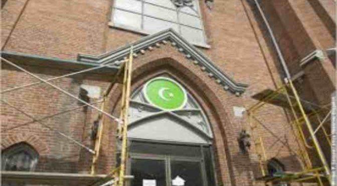 Mantova, Islamici comprano Chiesetta e la trasformano in Moschea
