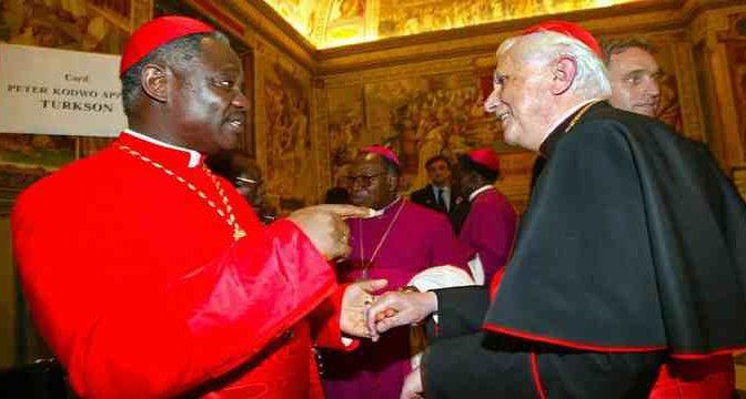 """Cardinale africano plaude blocco immigrzione: """"Miei compaesani non fuggono da guerra, non ci sono guerre in Africa"""""""