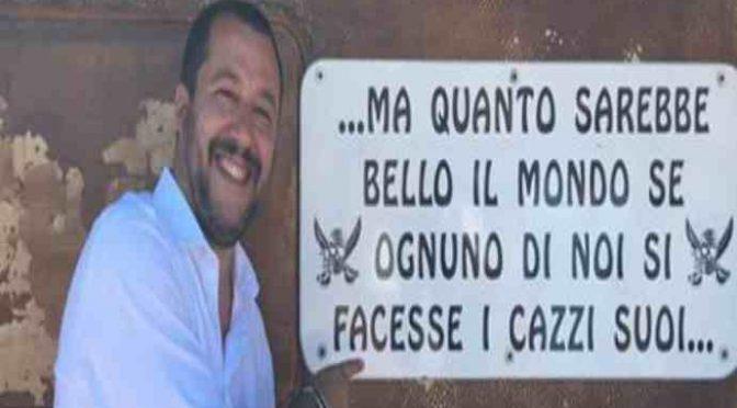 """Salvini in visita a """"spiaggia fascista"""""""