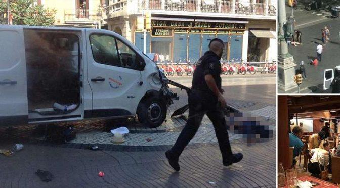 BARCELLONA E' TERRORISMO ISLAMICO, TERRORISTI BARRICATI IN LOCALE – DIRETTA VIDEO