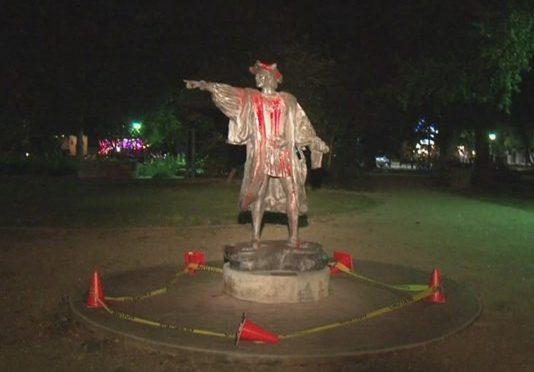 Vandalizzata statua dedicata a Cristoforo Colombo