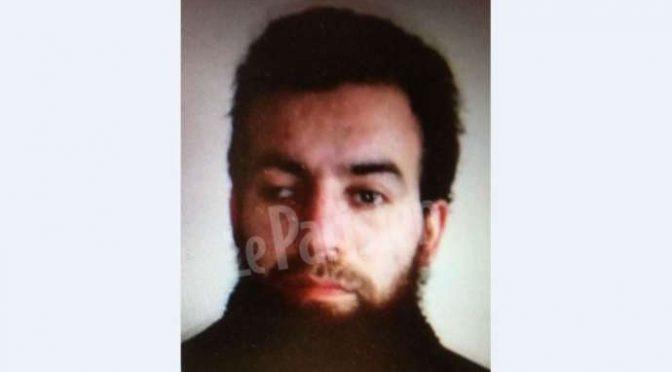 Algerino il terrorista che ha investito militari a Parigi – FOTO