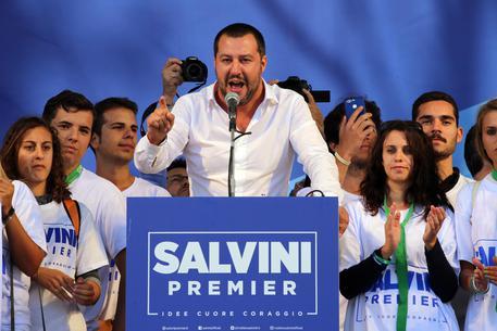 """Salvini: """"Se solo parlano di Ius Soli blocchiamo Parlamento"""""""