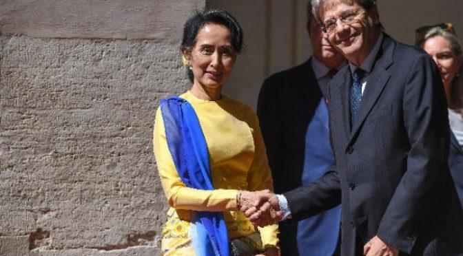 Suu Kyi mostra la strada: espulsi 370mila islamici in 17 giorni