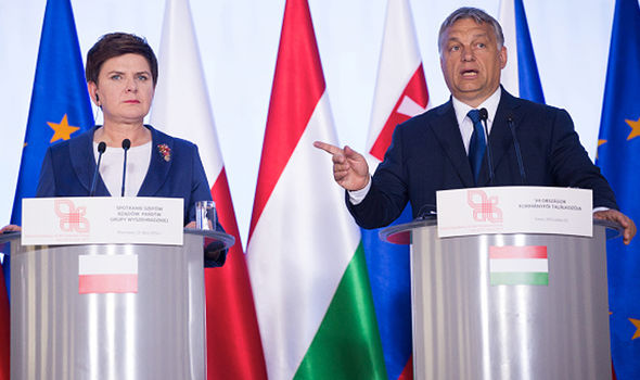 """Polonia e Ungheria sfidano Ue: """"Non ci faremo africanizzare"""""""