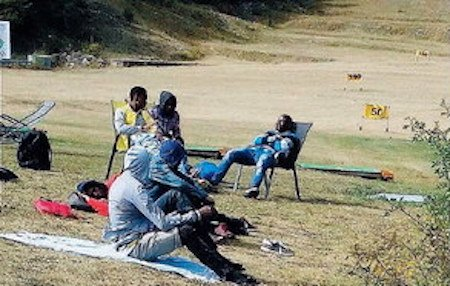Bardonecchia, clandestini si rilassano al Golf Club – FOTO