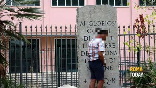 Tomba-di-Nerone-urina-su-memoriale-cadut