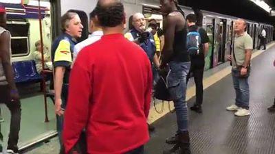 Roma, Watusso semina il panico nelle metro – VIDEO