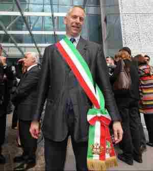 """Bus uccide cane su strisce, multata padrona a Genova per """"danni"""""""