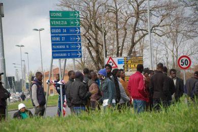 Gradisca: playstation non funziona, profughi occupano strada