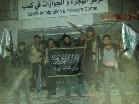 Siria: estremisti islamici dissacrano chiese e saccheggiano case cristiane