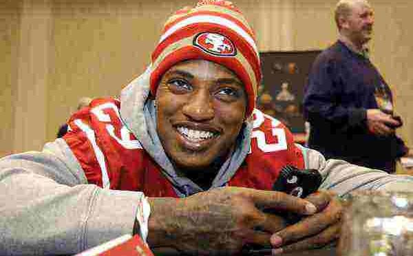 Investe ciclista e fugge: arrestato giocatore della NFL
