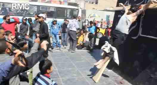 Egitto, islamici assaltano chiesa, 4 morti: donna uccisa perché ha una croce