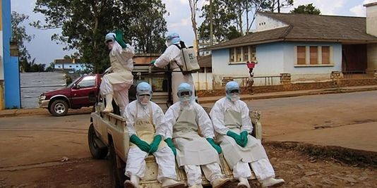 Ebola, Sierra Leone in quarantena: isolate intere regioni