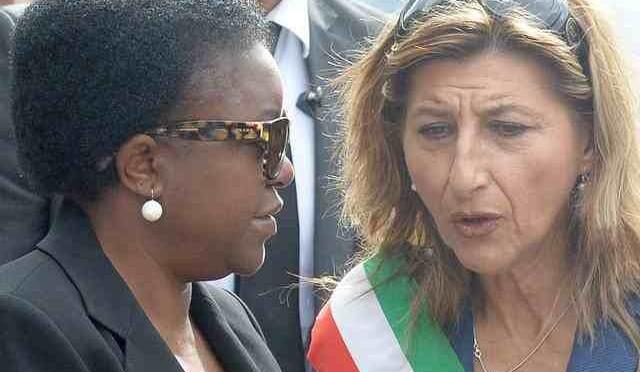 Sindaca Lampedusa si pappa 10.000 euro perché definita 'folle'