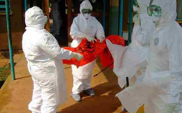 Mare Nostrum: allarme Tubercolosi, militare denuncia 'casi tenuti segreti da governo'