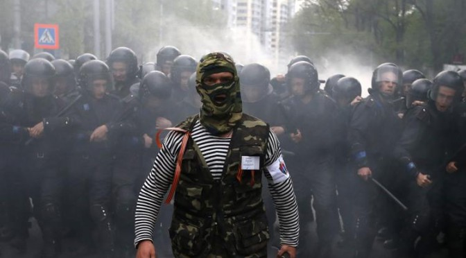 Ucraina cede: anche ribelli filo-russi parteciperanno a negoziati