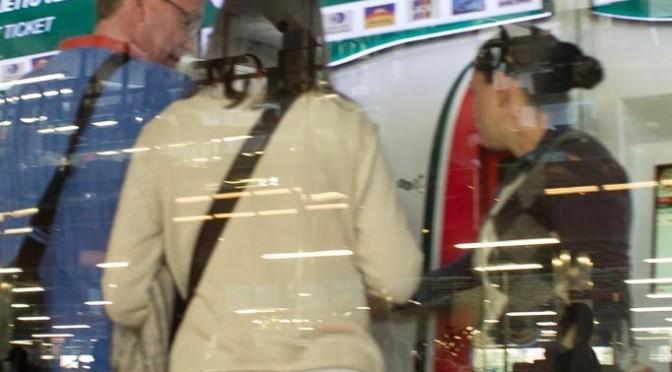 Roma, riconosce ladra 'nomade' del giorno prima: inseguimento nella metro – VIDEO
